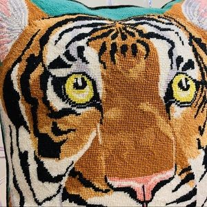 Vintage Accents - vintage 1970/80s needlepoint tiger accent pillow